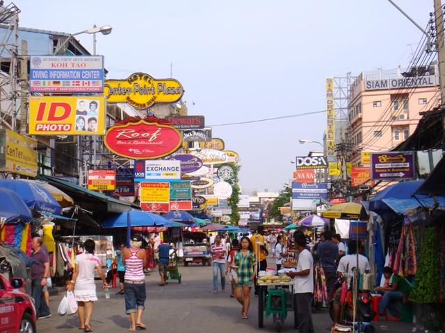 Khao_San_Road,_Bangkok,_Thailand